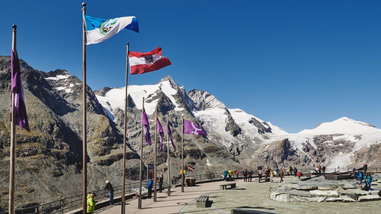 © SalzburgerLand Tourismus, Michael Koenigshofer - Parkoviště uprostřed horských velikánů