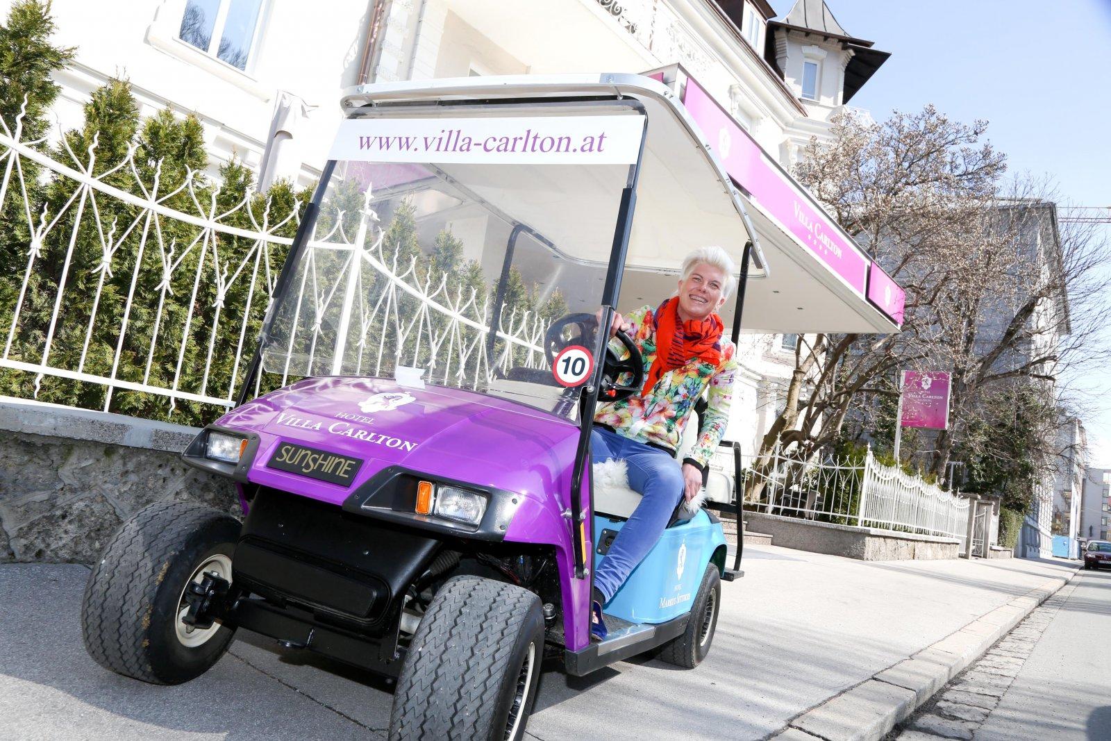 Golfcars für den Gästetransport