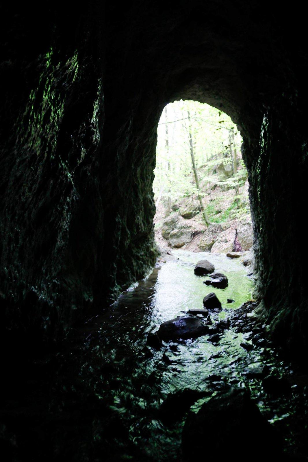 Hexenloch Höhle