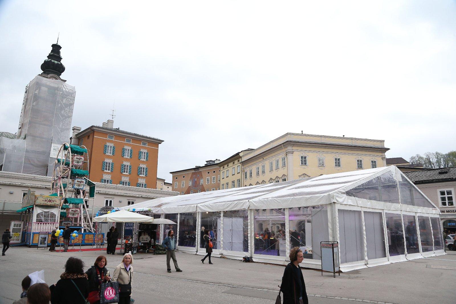 Catwalkzelt am Mozartplatz