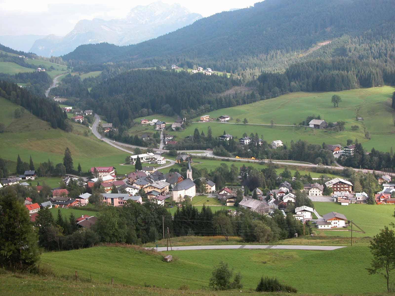 Ausblick auf Rußbach am Pass Gschütt