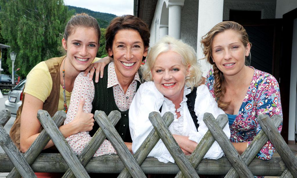 Bild (v.li.): Miriam Stein (Pippa), Adele Neuhauser (Julie), Brigitte Kren (Maria), Martina Poel (Sabine).  c ORF/Hubert Mican.