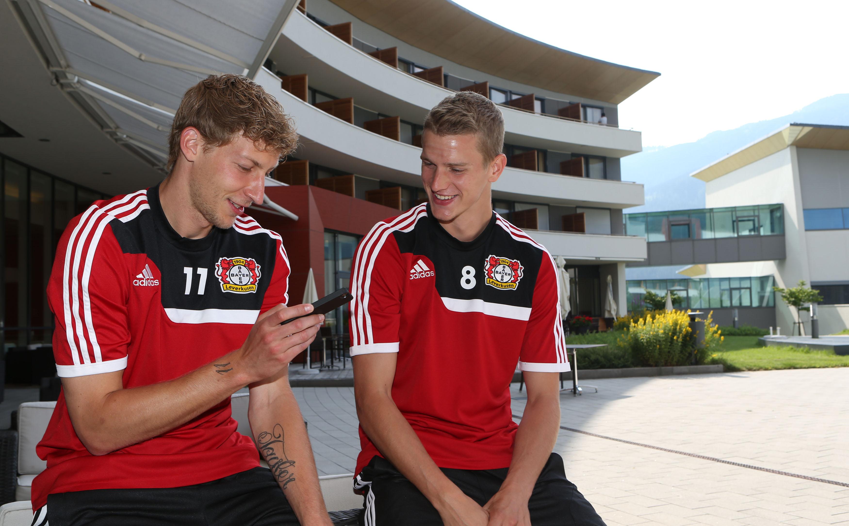 •Stefan Kießling und Lars Bender genießen die Trainingspause im TauernSpa Kaprun.