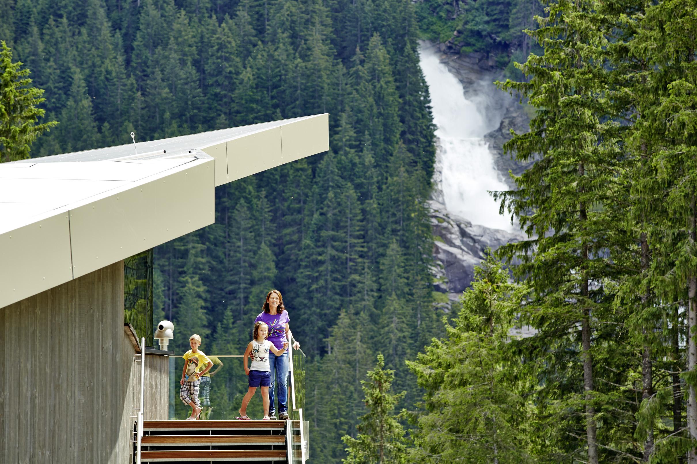 Die Wasserfälle hat man immer im Blick.c Großglockner Hochalpenstraßen