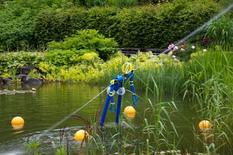 Der Aquamax erwacht durch Wasserkraft zum Leben.