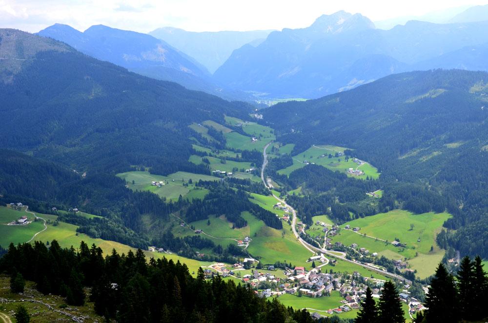 Blick Rußbach am Pass Gschütt