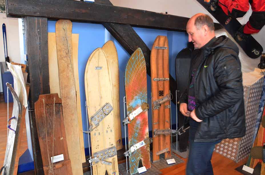 Erste Snowboards