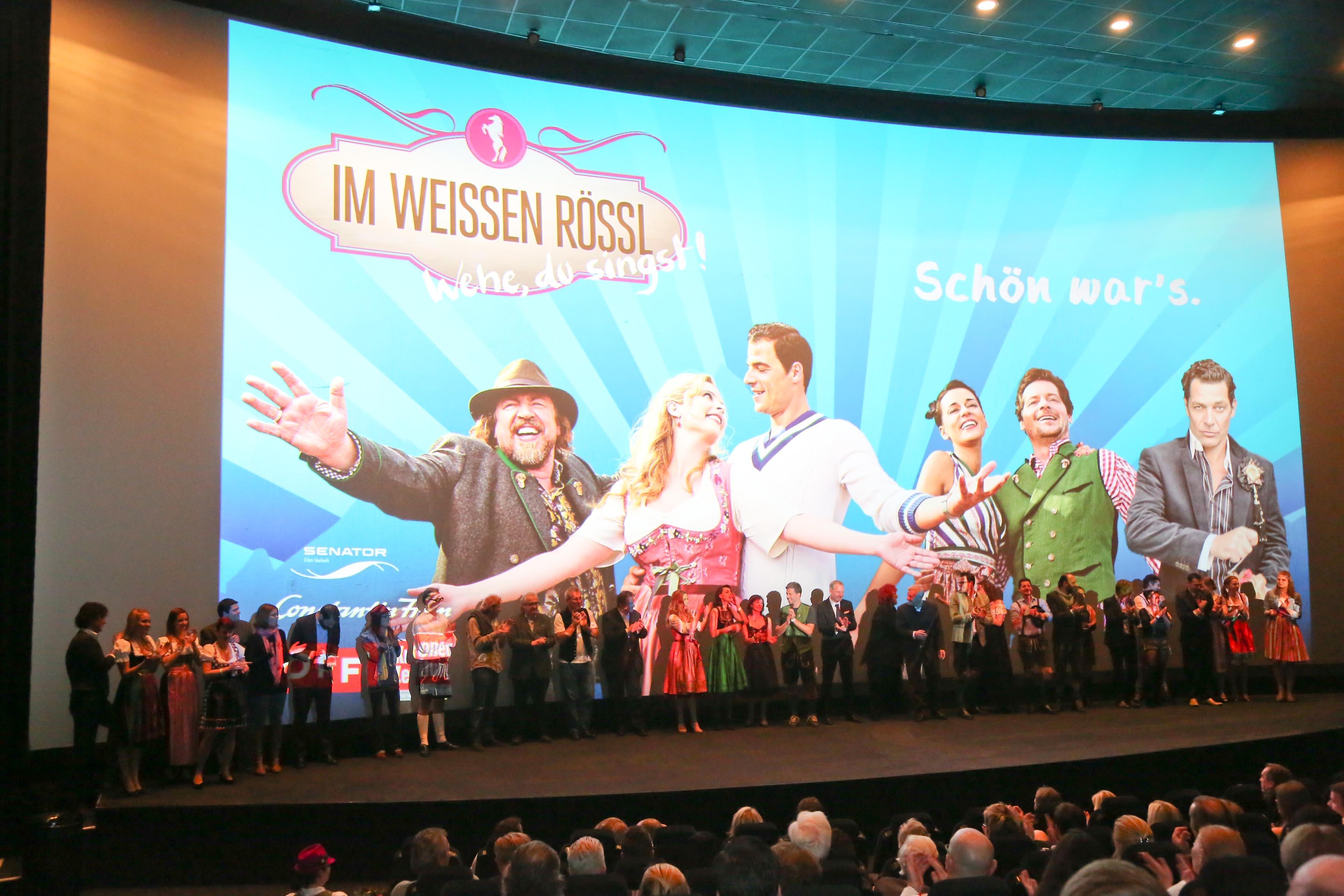 Bei der Premiere wurde das Team auf die Bühne geholt