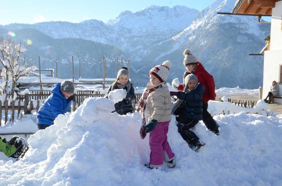 Auf dem Schneehügel