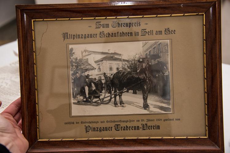 Ein Foto aus alten Tagen: 1928 war das Kammerer Goassl bereits bei der Trachtenfahrt mit dabei...