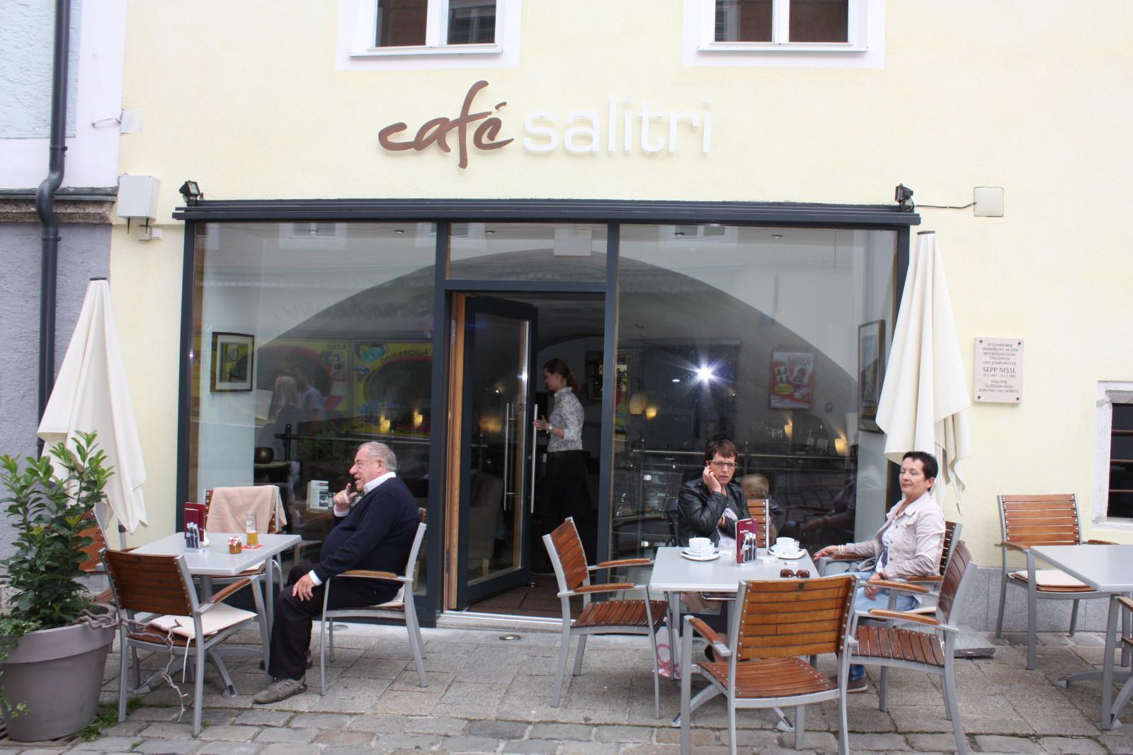 Gut frühstücken im Café Salitri...