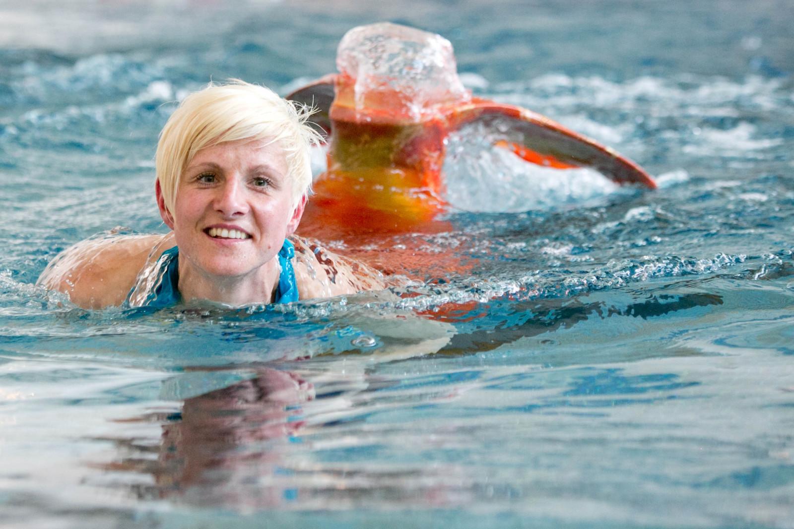 Brustschwimmen ist eine Herausforderung