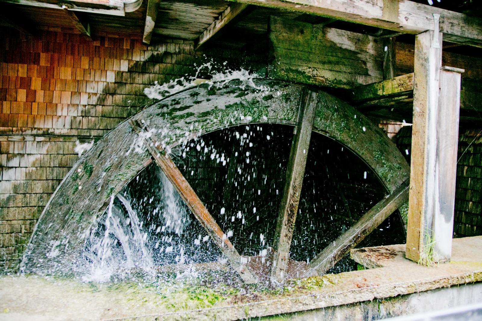 15 PS  durch Wasserkraft erzeugt