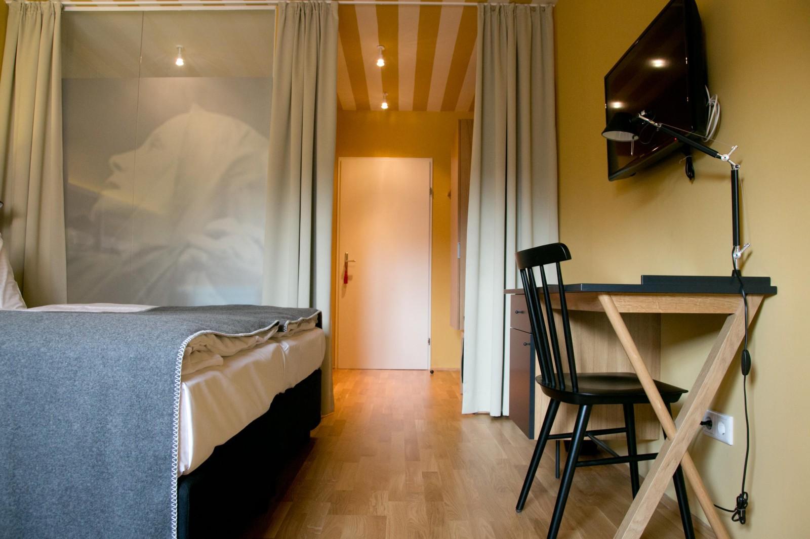 Sensibel renovierte Zimmer
