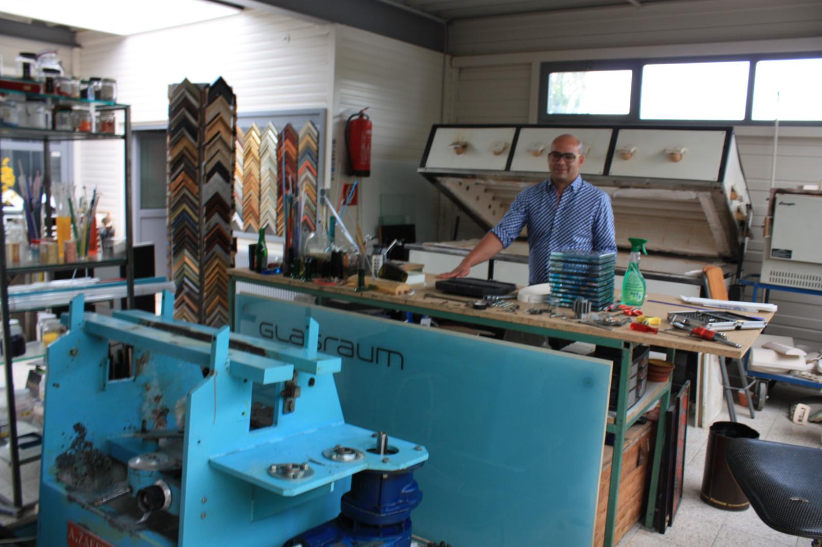 Clemens Leib in seiner Werkstatt