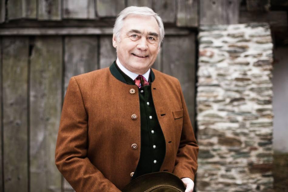 Auch Brauchtumsexperte Bertl Göttl ist gern gesehener Gast in der Bachschmiede.