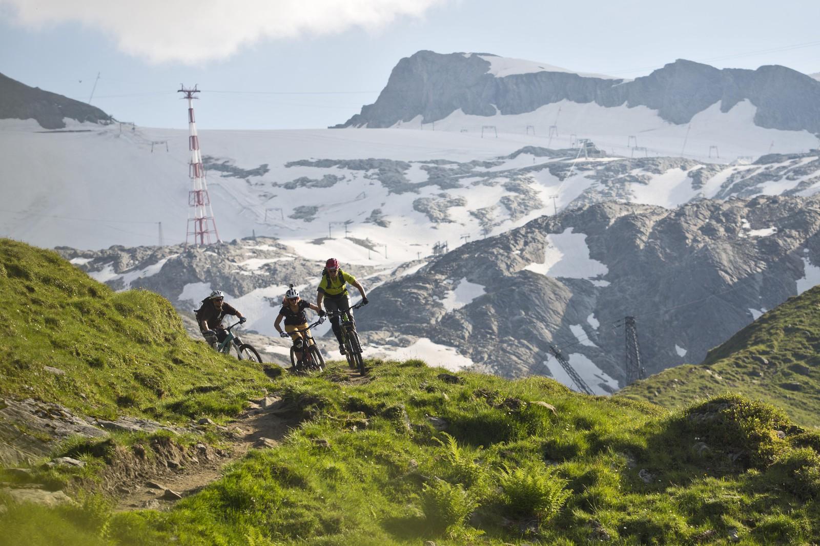 Der Start der Strecken ist beim Alpincenter auf über 2500 Metern.