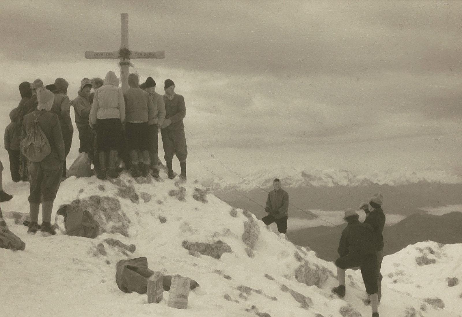 Am 14. August wurde das Gipfelkreuz am Lammkopf erstmals aufgestellt