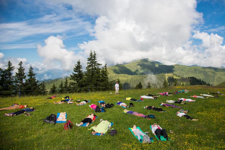 Rund 2 Stunden dauert das Outdoor-Yoga.