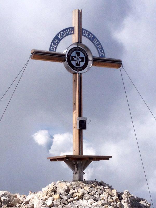 Das neue Gipfelkreuz ist  weithin vom Lammkopf aus sichtbar