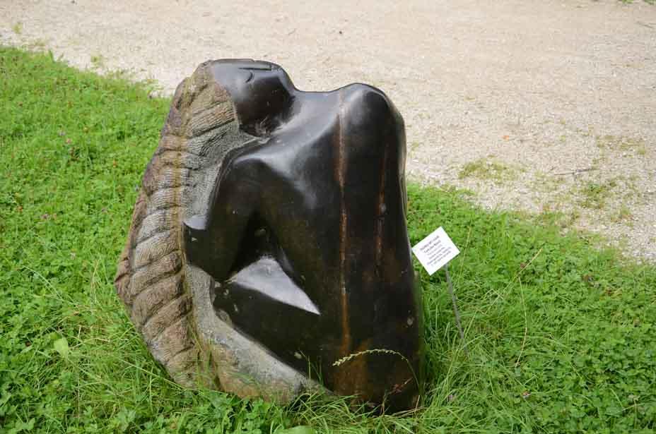 Skulptur am Wegesrand