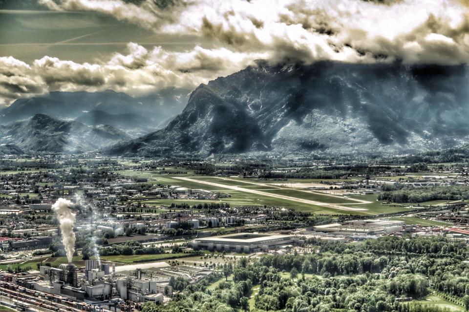 Im Endanflug auf den Salzburg Airport ©Frederic Handelmann