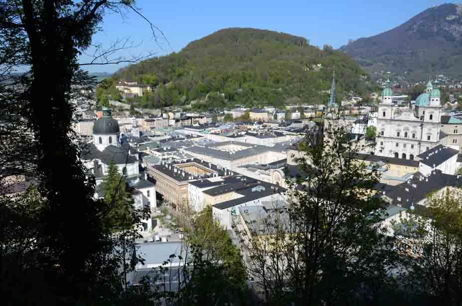 Ausblicke auf die Stadt Salzburg vom Mönchsberg