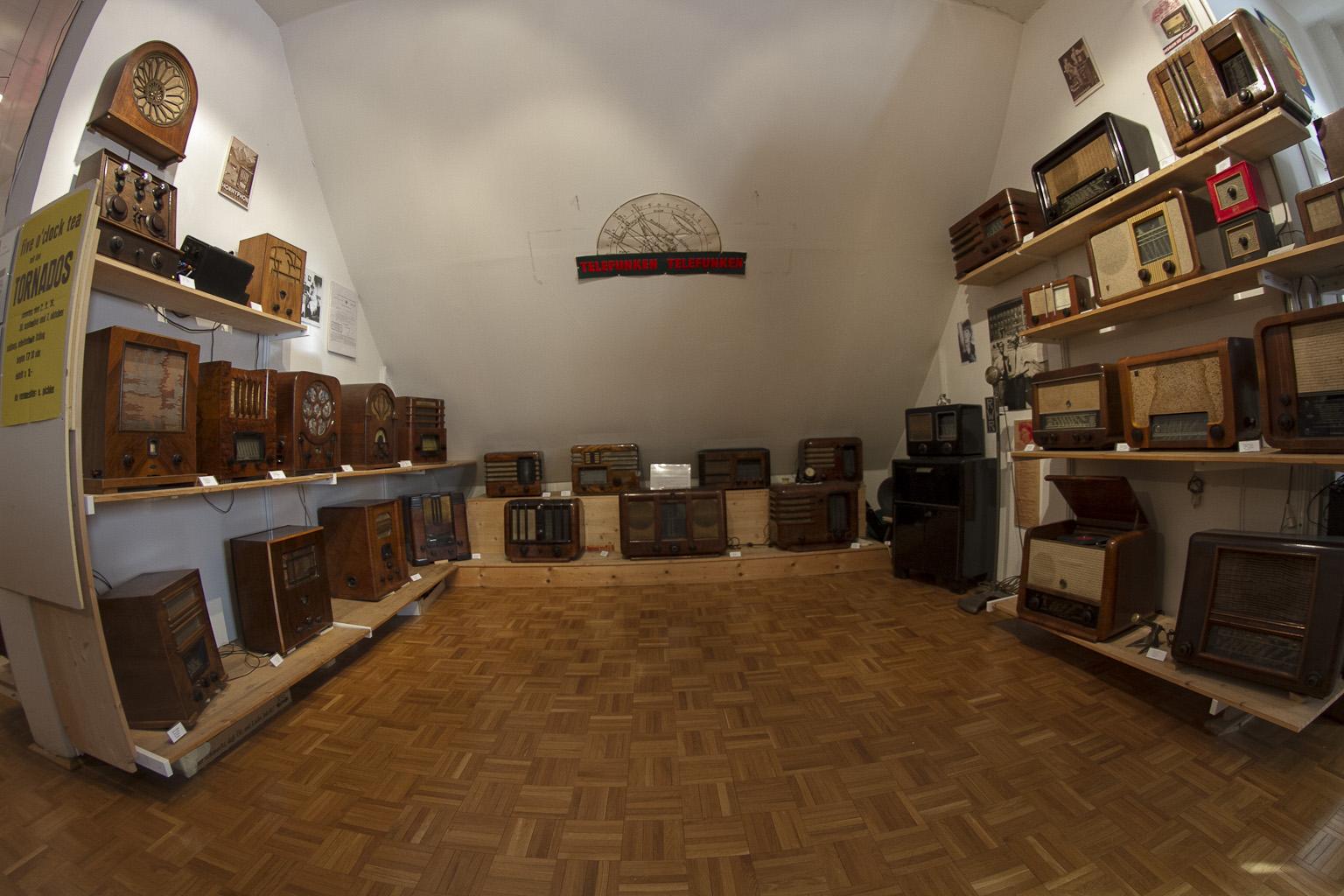 Kompaktradios mit Beginn der 30er Jahre