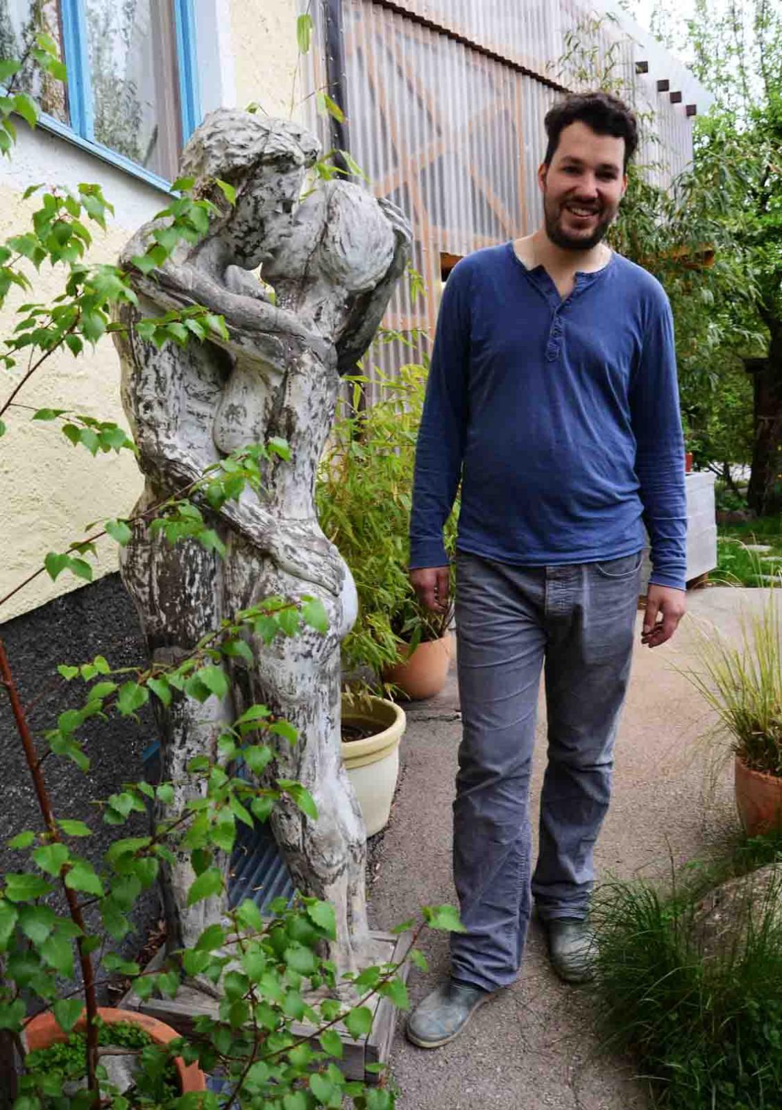 Manuel Gruber im Garten