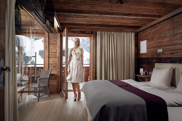 Die Zimmer und Suiten geben den Blick auf die umliegenden Berge des Glemmtals frei.