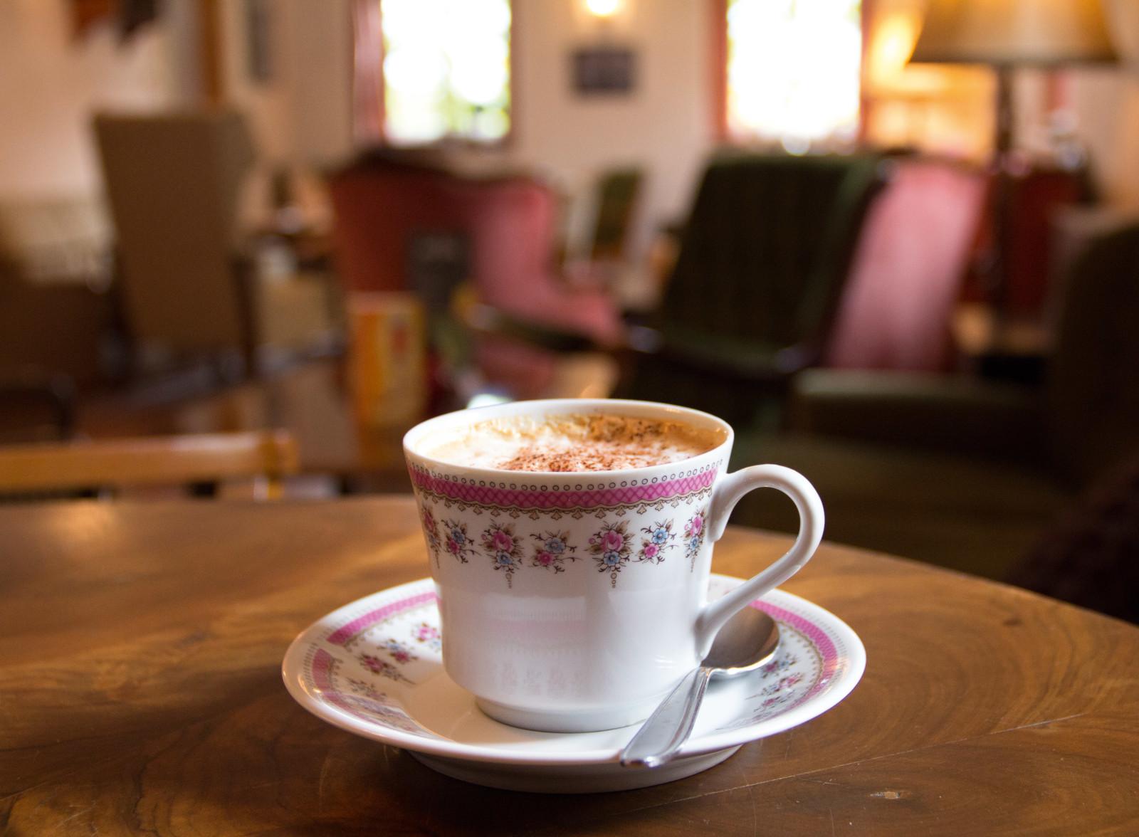 Bei Kaffee und Kuchen kann man hier entspannen wie daheim.