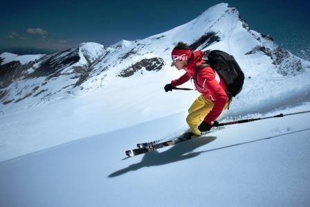 Die Abfahrt führt über alpines Gelände nach Kolm Saigurn.