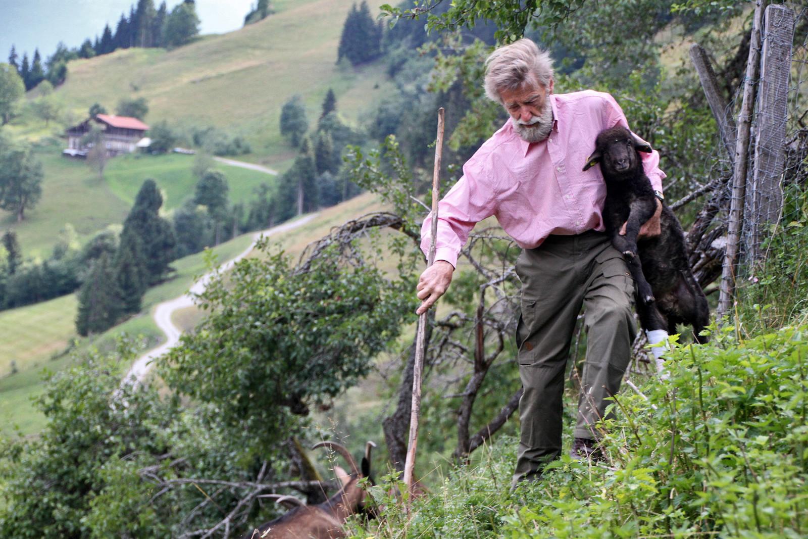 Ambros Aichhorn lebt auf seinem Archehof hoch über Goldegg und rettet hier alte Haustierrassen vor dem Aussterben.