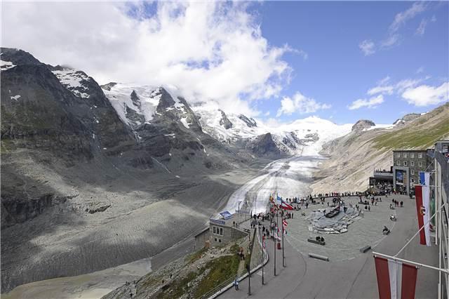 Die Kaiser-Franz-Josefs-Höhe ist heute ein vielbesuchtes Ausflugsziel.