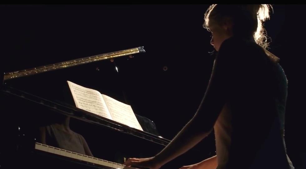 Hannah Holzner spielt Mozart