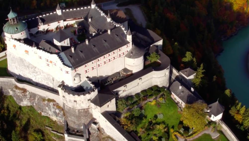 Die Burg Hohenwerfen aus der Vogelperspektive