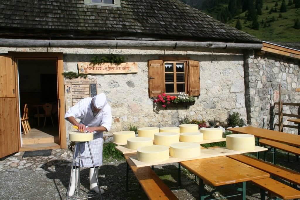 Käsespezialitäten aus der Sennerei Schweizerhütte