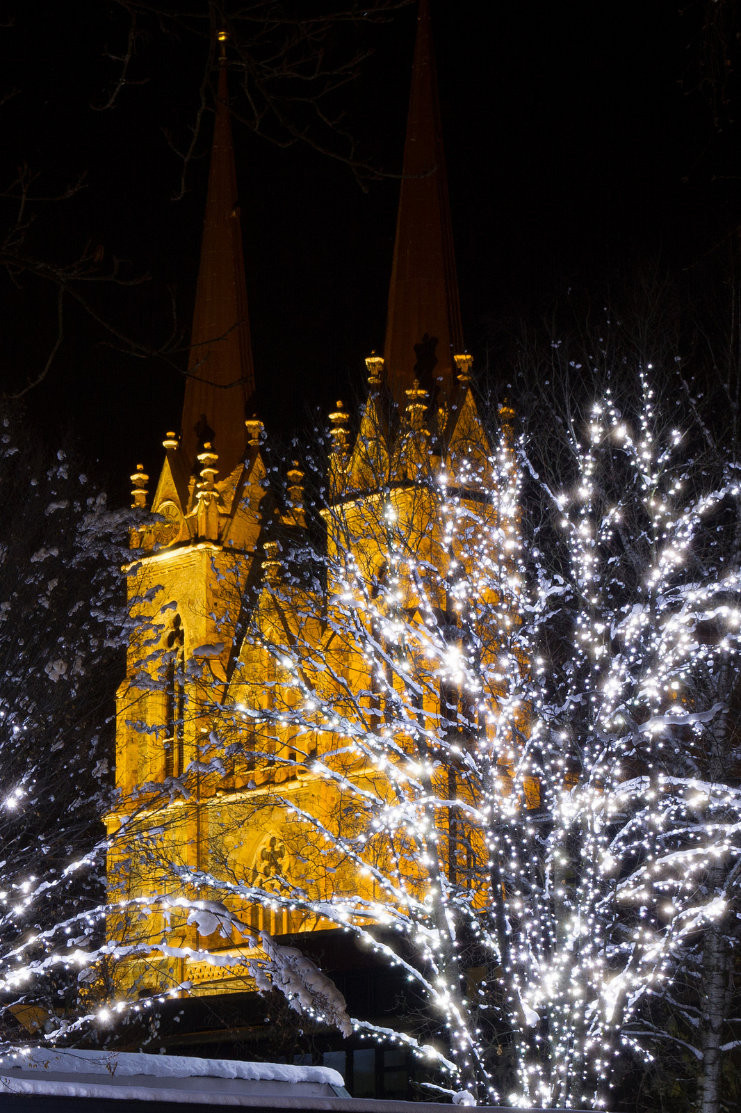 Der Pongauer Dom wacht über den Licht-Advent