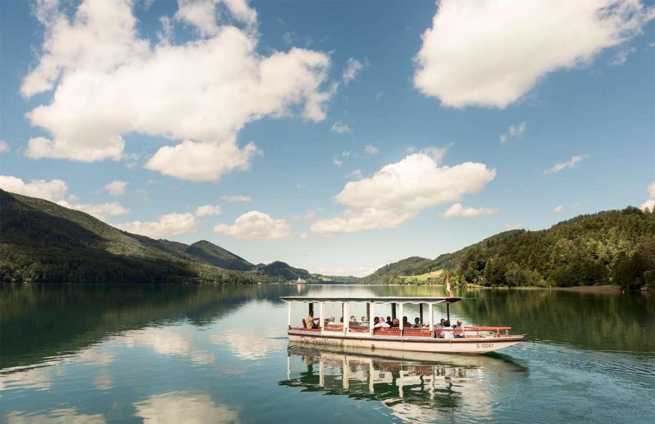 Romantische Bootsfahrten auf dem Fuschsee