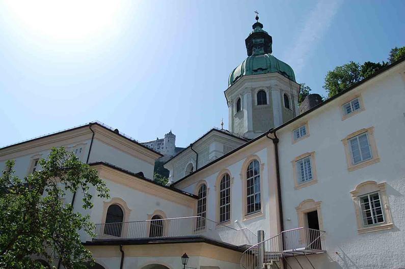 Aussicht auf Dom und Burg vom Stiftgarten St. Peter