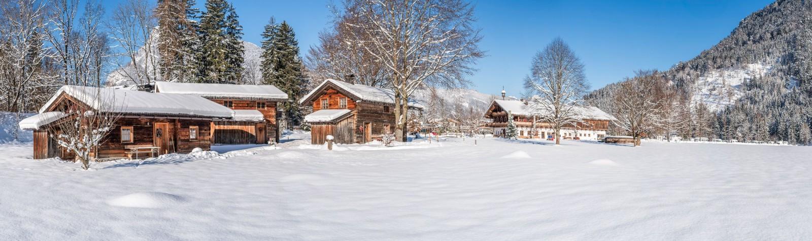 Grubhof, die Nummer 1 beim Wintercamping: Das Alm-Dorf.