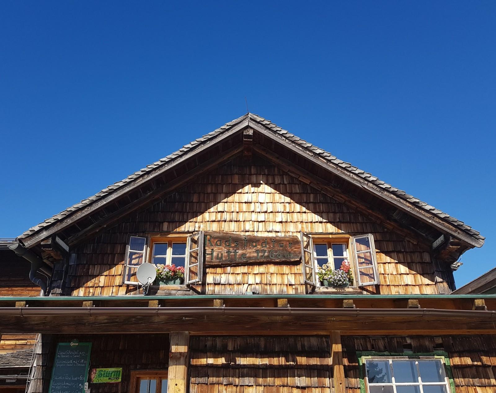 Herzlich Willkommen auf der urigen Radstädter Hütte!