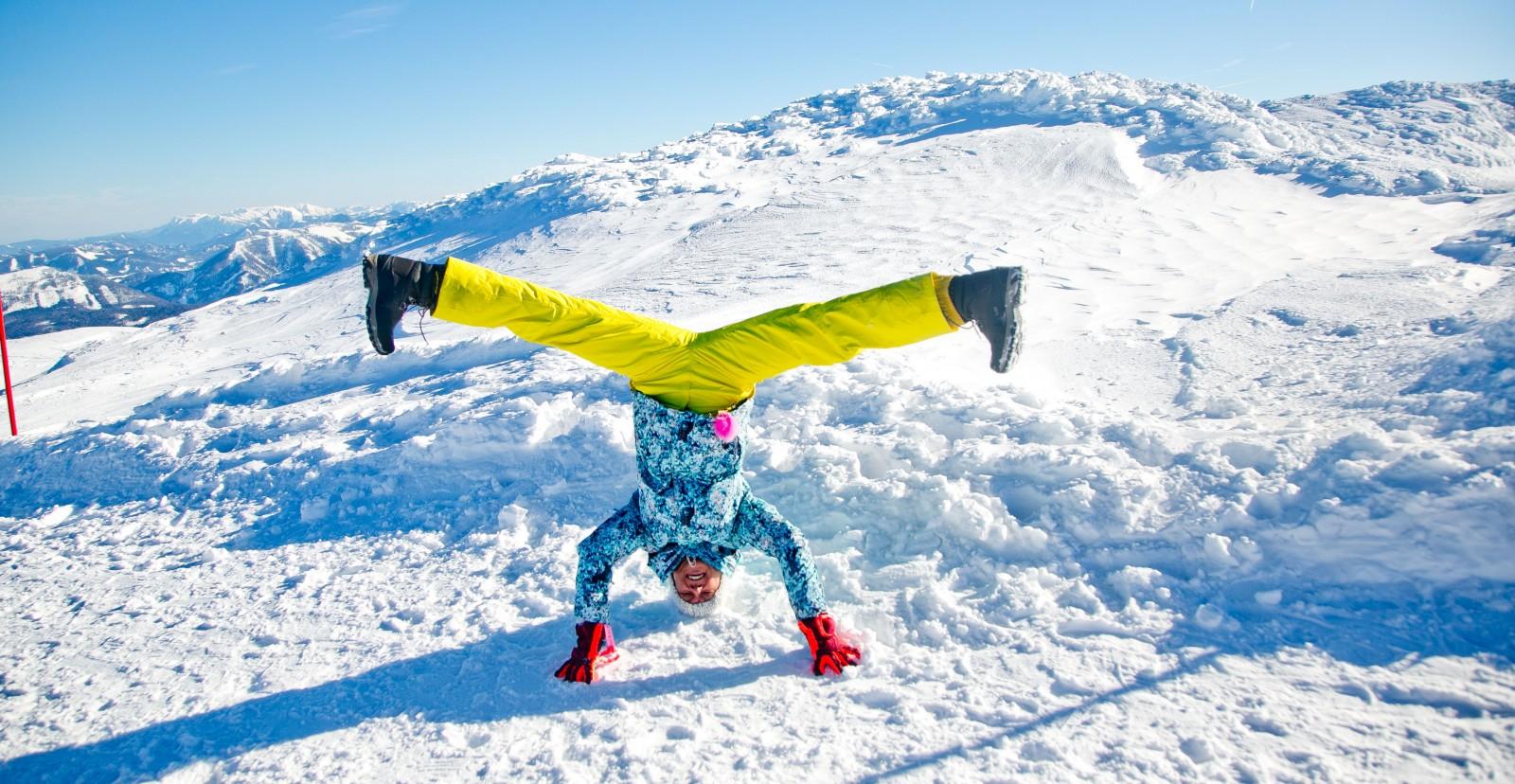 kreative Bilder im Schnee (c) wildbild