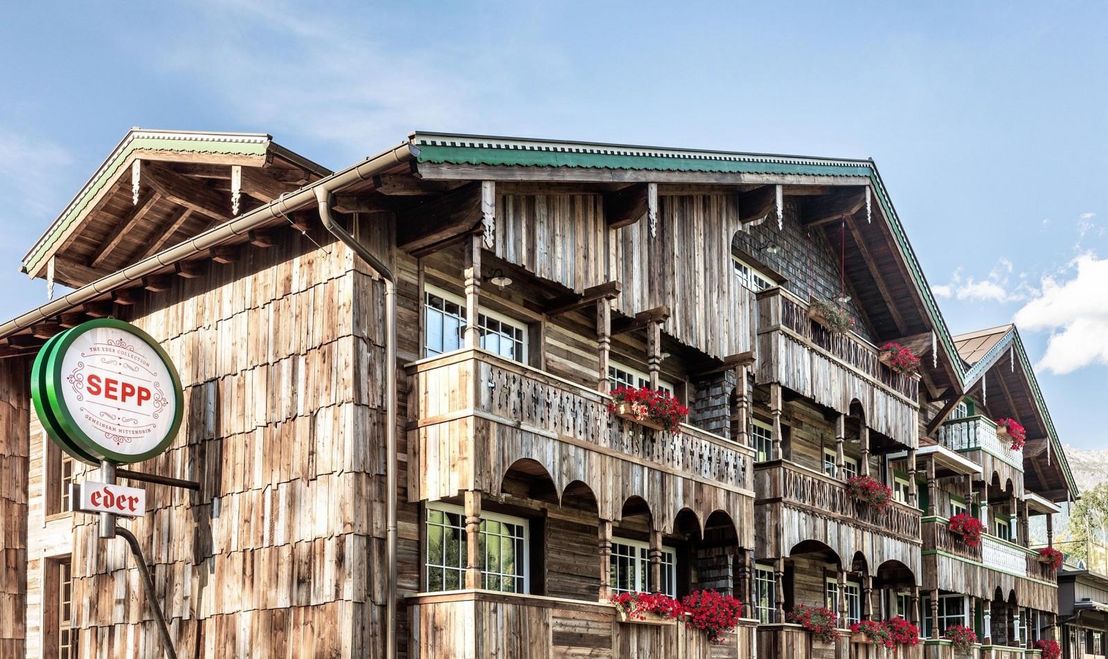 Hotel Sepp - Fassade aus Altholz