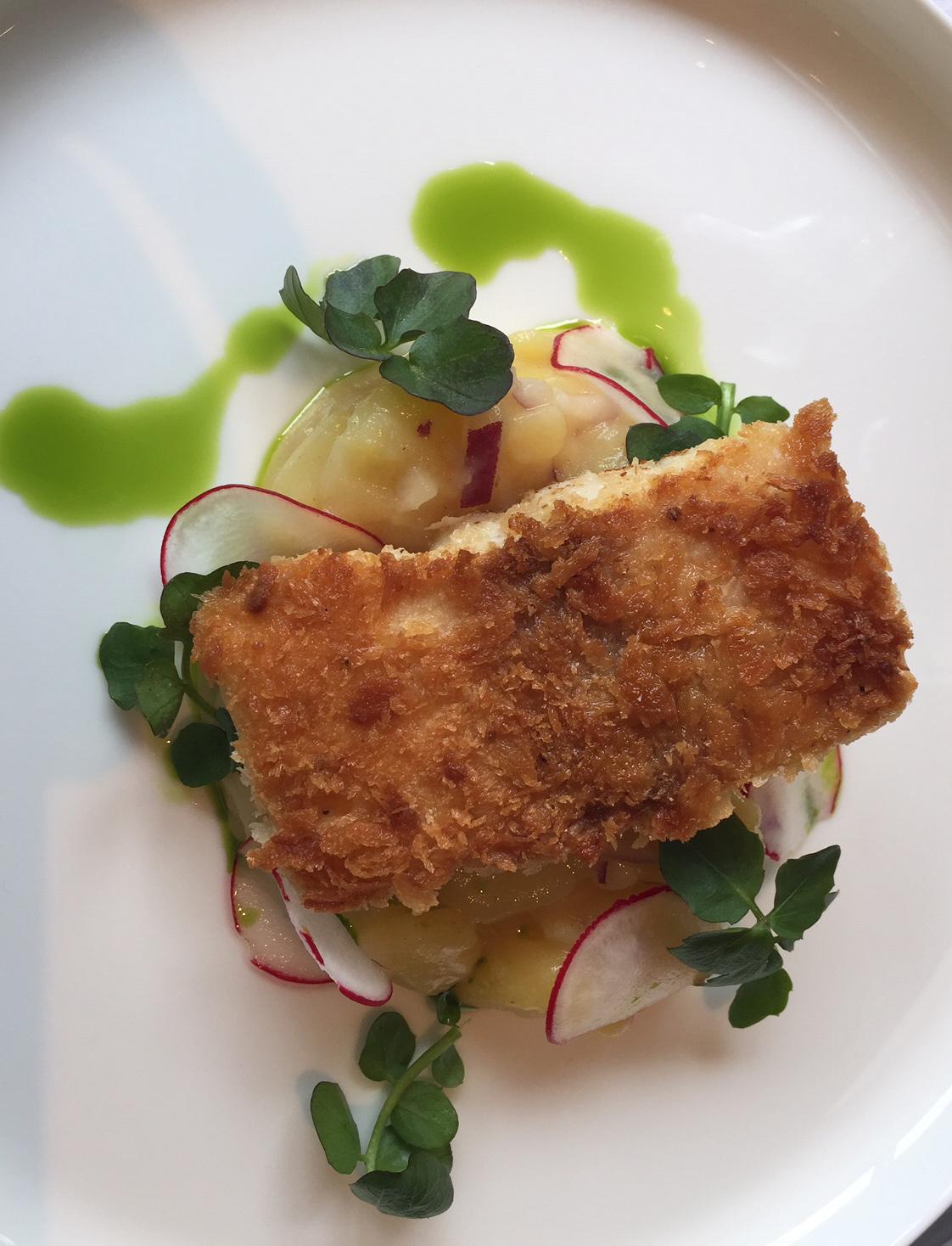 Saiblingsfilet auf Kartoffelsalat und Bachkresse