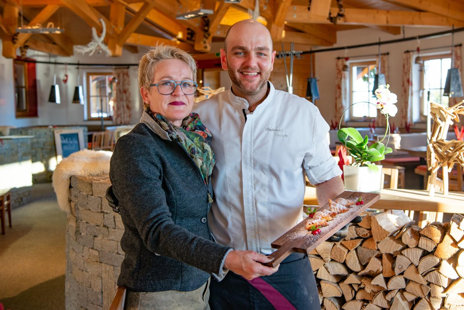 Edith Pfeffer und Küchenchef Raimund Knauz. c Edith Danzer