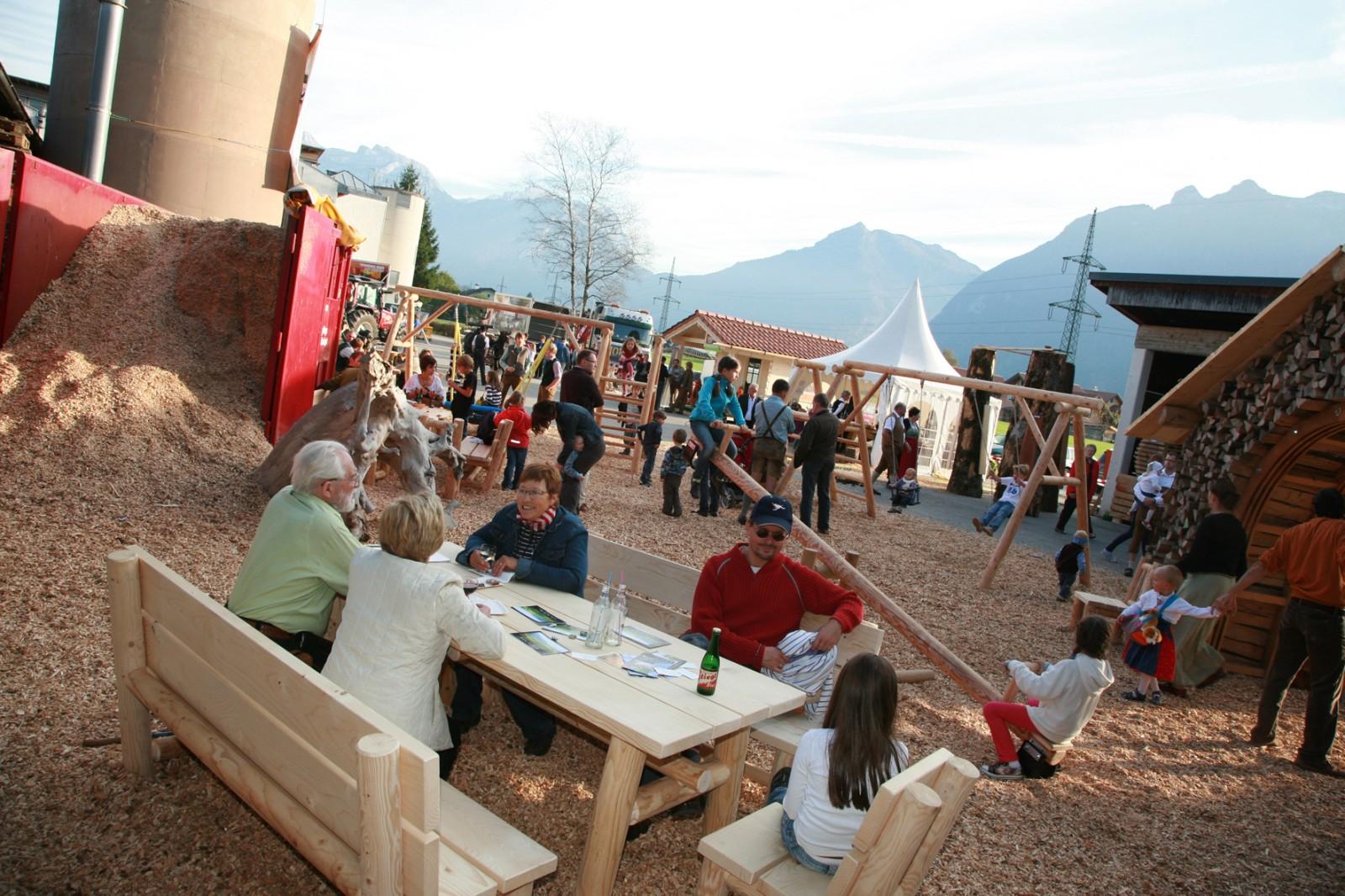 © TVB Kuchl - beste Stimmung und viele Besucher am Kuchler Holzfest