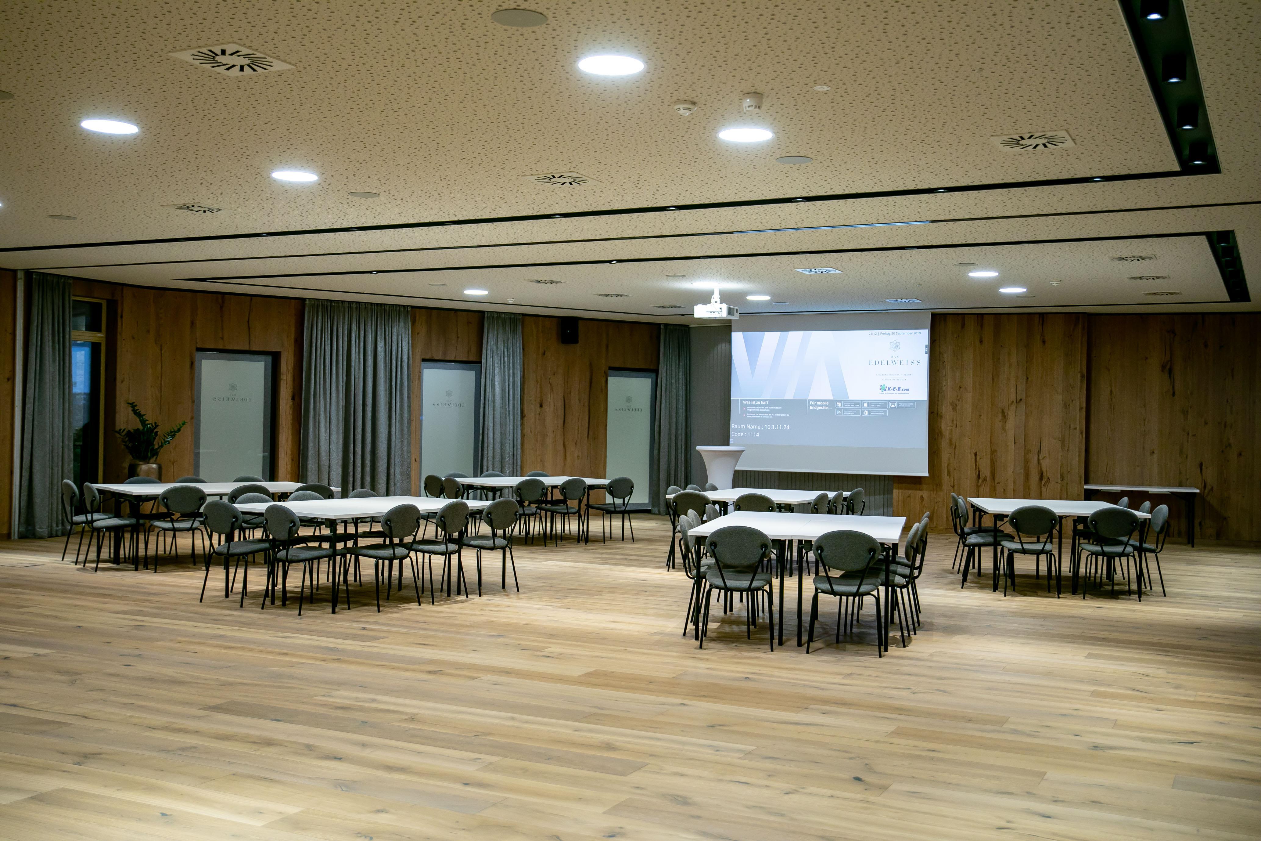 Konferenzsaal im Hotel Edelweiss, Eröffnung nach Umbau, Großarl, Salzburg, 20190920, ©www.wildbild.at