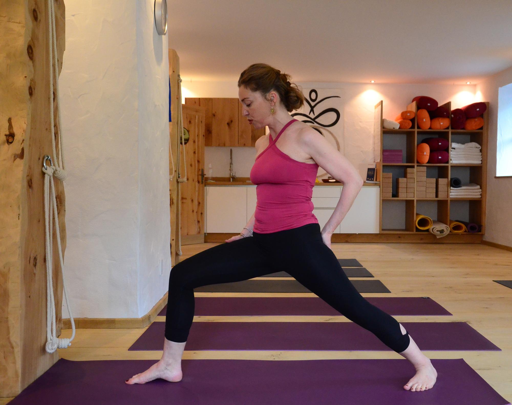 Veronika zeigt die richtige Körperhaltung