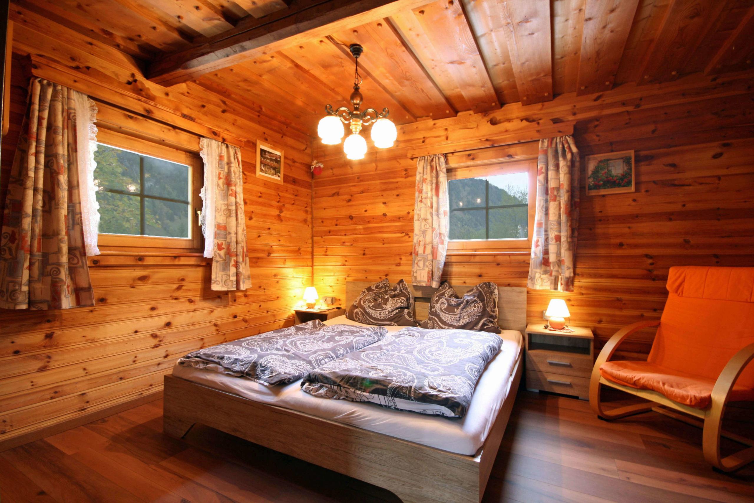 © Almliesl / Schlafzimmer mit Doppelbett